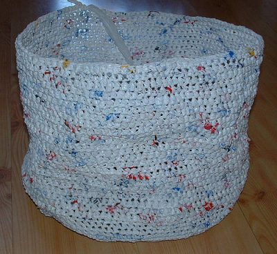 plarn laundry bag 400x368 Crochet Blog Link Love