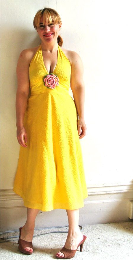 yellow dress with crochet flower 8 More Ways to Style A Yellow Dress with Crochet