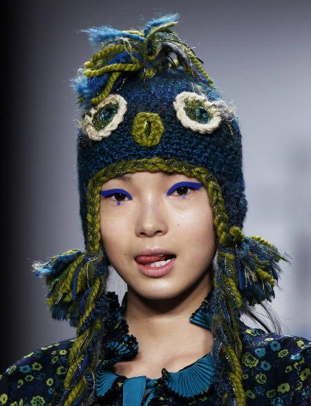 anna sui crochet Celebrity and Designer Crochet Roundup for May