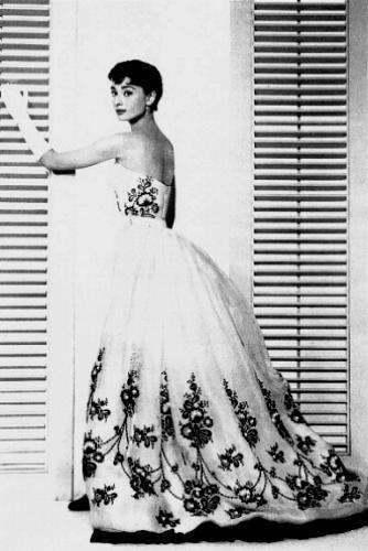 audrey hepburn wedding dress Designer Crochet: Givenchy