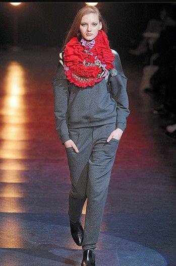 chalayan crochet scarf Designer Crochet: Hussein Chalayan