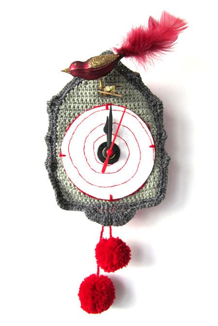 crochet cuckoo clock1 20 Most Sensational Crochet Clocks