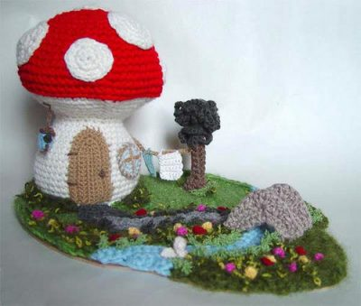 crochet garden1 400x339 Inspiring Crochet Gardens: Projects and Ideas for the Home