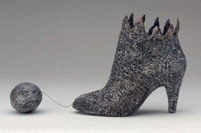 crochet shoe sculpture 400x264 Crochet Blog Roundup: May