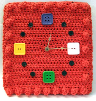 crochet wall clock 400x420 15 Fun Project Ideas for Crocheters who Love Buttons