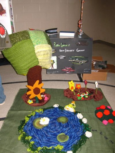 crocheted garden 400x533 Inspiring Crochet Gardens: Projects and Ideas for the Home