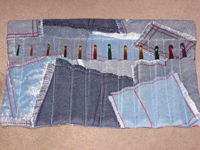denim crochet hook holder 400x300 10 Ideas for Upcycling Denim with Crochet