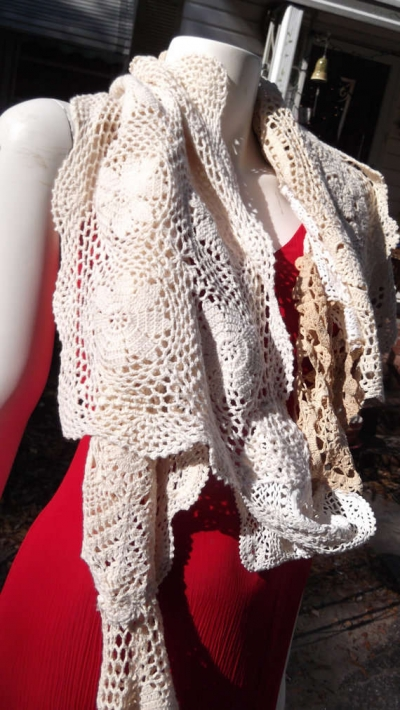 doily scarf 400x710 When A Doily Is Not Just a Doily: Curtains, Clocks, Necklaces and Other Upcycled Doily Ideas