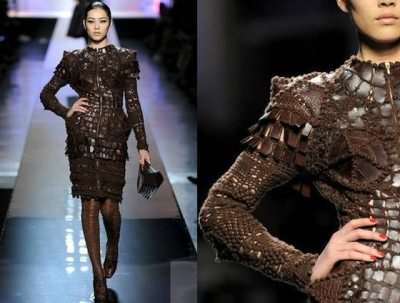 gaultier crocodile crochet dress 400x303 Designer Crochet: Jean Paul Gaultier