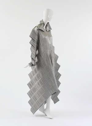 issey miyake pleats Designer Crochet: Issey Miyake