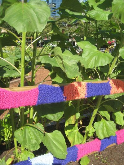 yarnbomb garden 400x533 Inspiring Crochet Gardens: Projects and Ideas for the Home