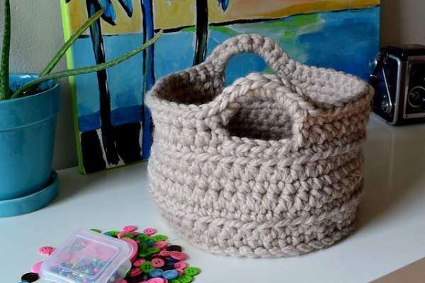 chunky crochet basket free pattern 600x400 20 Popular Free Crochet Patterns to Bookmark if You Havent Tried Them Yet
