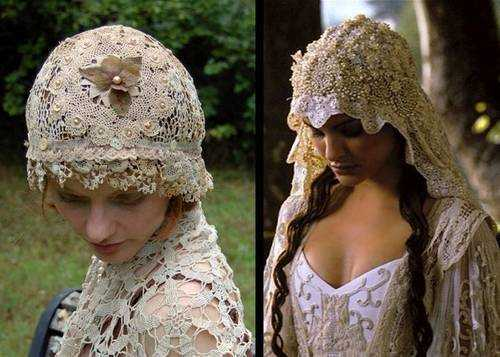 Green Trunk Designs made the crochet wedding veil on the left to match