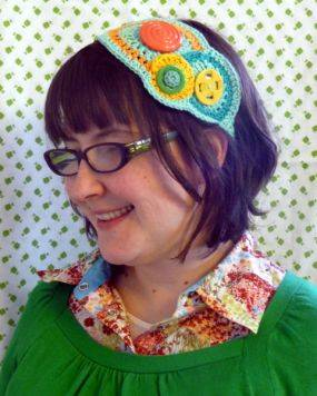crochet button headband 15 Fun Project Ideas for Crocheters who Love Buttons