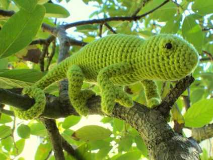 crochet chameleon Giveaway: Crochet Chameleon Pattern from Planet June