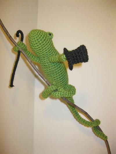 crochet chameleon1 400x533 PlanetJune Crochet Chameleon Pattern Giveaway Winner