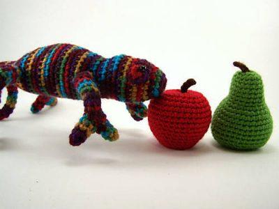 crochet chameleon2 400x300 PlanetJune Crochet Chameleon Pattern Giveaway Winner