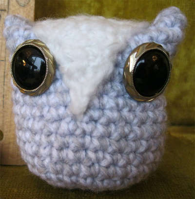 crochet owl eyes 15 Fun Project Ideas for Crocheters who Love Buttons