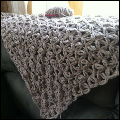crochet shawl1 400x400 Crochet Link Love: End of June Edition