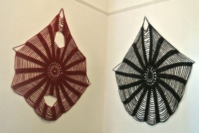 crochet wall art 400x268 Crochet Blog Roundup: June in Review