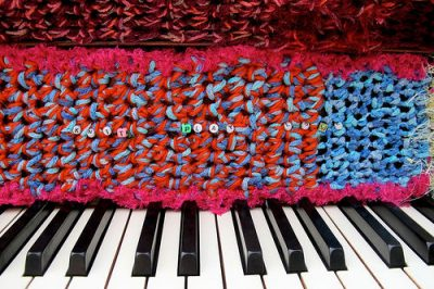 knitted piano 400x266 Crochet Pianos: 2012 Haims vs 2011 Olek