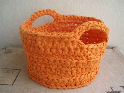 upcycled crochet basket 400x300 Crochet Blog Link Love!
