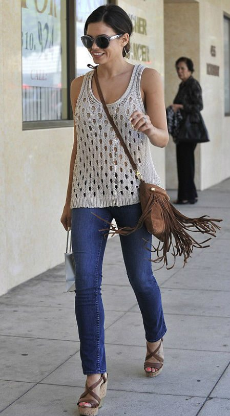 celebrity crochet1 Celebrity and Designer Crochet Roundup: July 2012