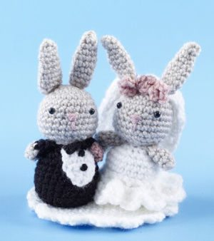 crochet bride and groom