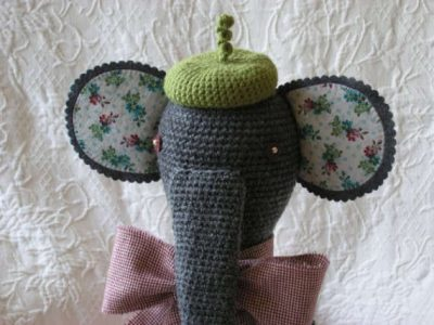 crochet fabric animals 400x300 20 Inspiring Ideas for Combining Crochet with Fabric