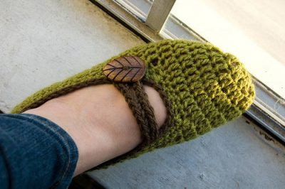 crochet mary janes 400x266 Top 10 Most Popular Free Crochet Patterns on Ravelry (and 10 Others that are Loved)