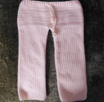 crochet pants pattern 400x390 Crochet Pants Really Can Look Cute. These 20+ Examples Prove It!