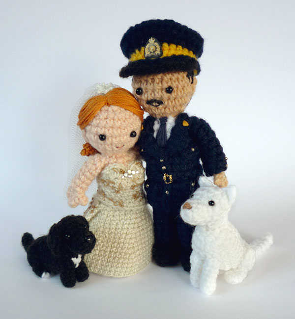 The 12 Best Crochet Cake Toppers For Your Diy Wedding Cake