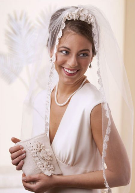 crochet wedding veil 12 Crochet Wedding Veils That Will Make Everyone Want to Kiss the Bride