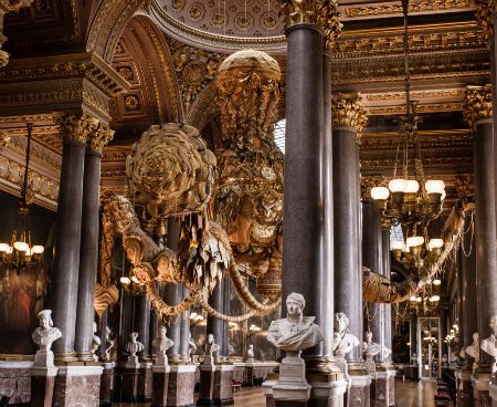 Post image for Crochet Works in Vasconcelos' Versailles Exhibit