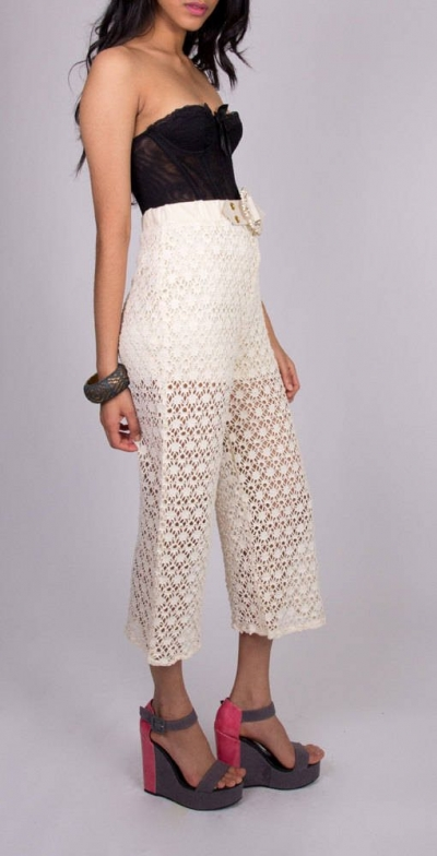 high waisted crochet pants 400x784 Crochet Pants Really Can Look Cute. These 20+ Examples Prove It!