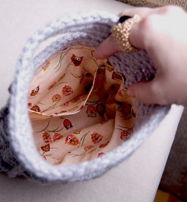 lined crochet purse 20 Inspiring Ideas for Combining Crochet with Fabric