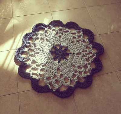 mandala crochet rug 400x378 7 Best Crochet Mandala Patterns