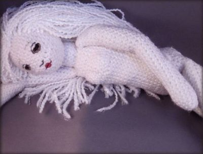 amigurumi doll 400x305 12 Fascinating Examples of Crochet Art Dolls and Figures