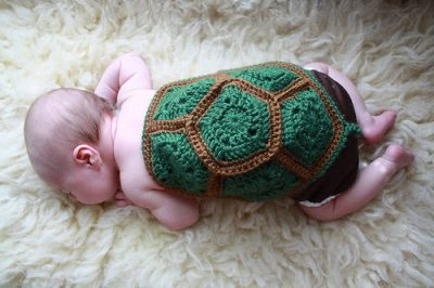 crochet turtle prop 400x266 Crochet Link Love, Early August