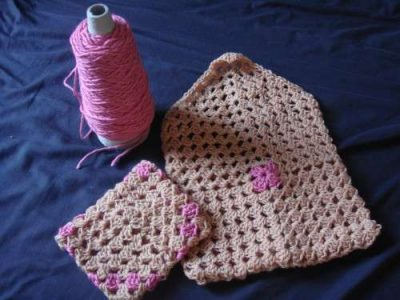 granny square bag 400x300 Then And Now: A Look Back at Last Year in Crochet (8/12 8/25)