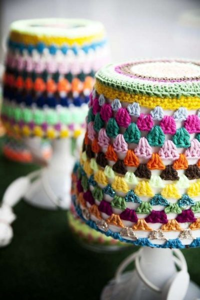 granny stripe crochet lamp 400x600 16 Crochet Lamps That Will Shed a New Light on Your Space