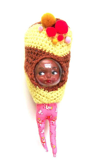mixed media crochet art doll 12 Fascinating Examples of Crochet Art Dolls and Figures