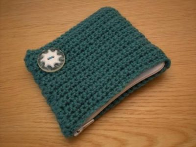 no frame crochet purse 400x300 15 Favorite Crochet Coin Purses to Make Saving Pennies Fun