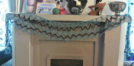 solomons knot crochet My Crochet Home: Around the Fireplace
