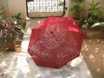 upcycled crochet umbrella 400x300 15 Crochet Umbrellas for your Creative Rainy Days