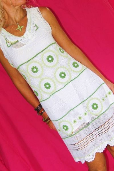 vintage crochet 400x600 Then And Now: A Look Back at Last Year in Crochet (8/12 8/25)