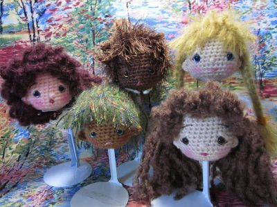 crochet dolls 400x300 Crochet Link Love (Best Articles of the Week)