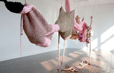 crochet organs by mary tuma 400x257 Actress and Crochet Artist Sarah Louisa Burns