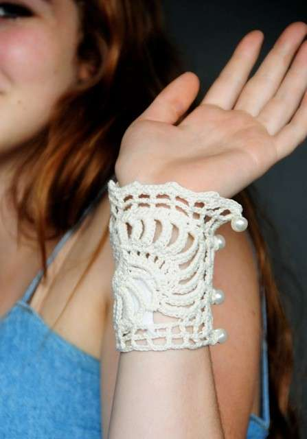 martin margiela crochet bracelet Designer Crochet: Martin Margiela