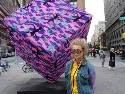 olek astor place cube 400x300 Crochet Blog Roundup: August in Review